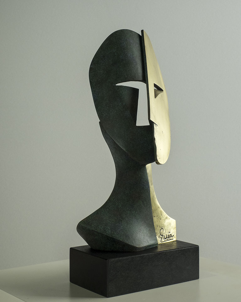 Rostro cubista en bronce 2