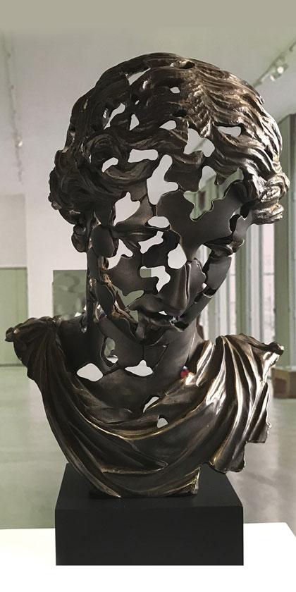 Esencia Clásica Elena en bronce