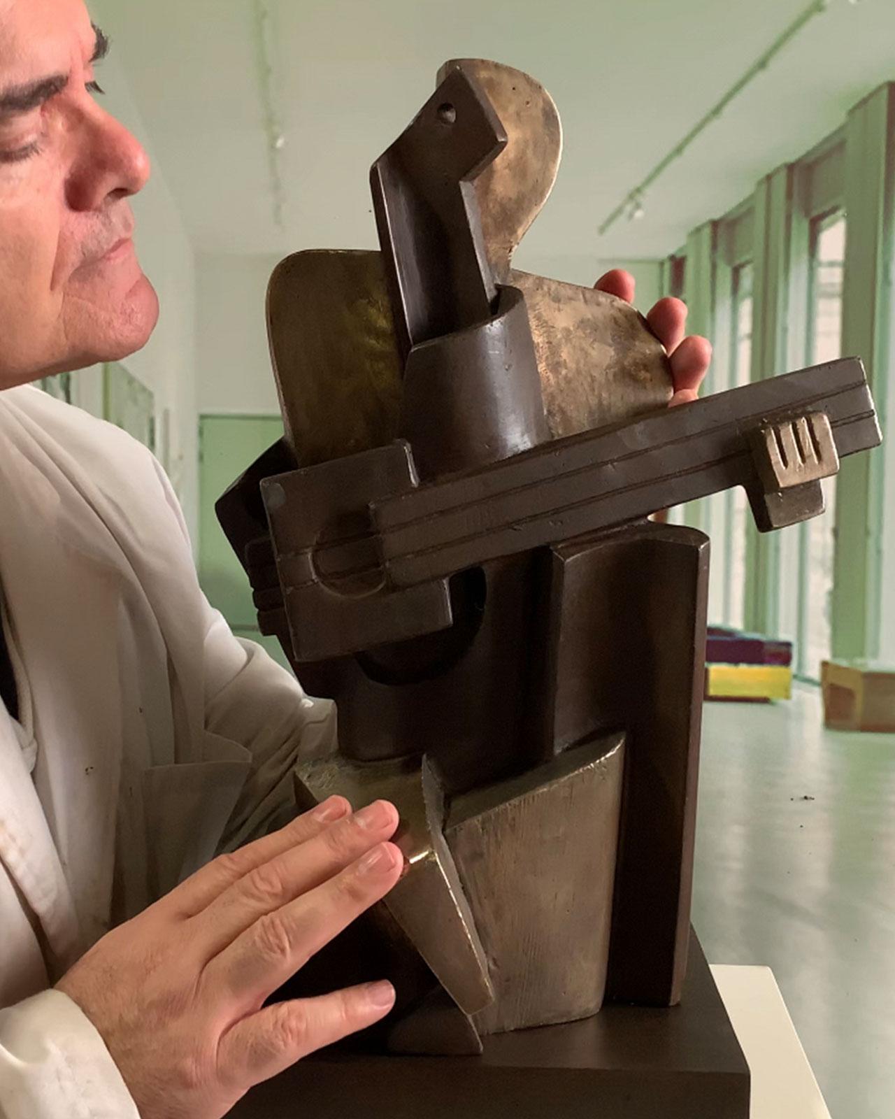 Guitarrista-cubista-bronce-fundicion-53cm