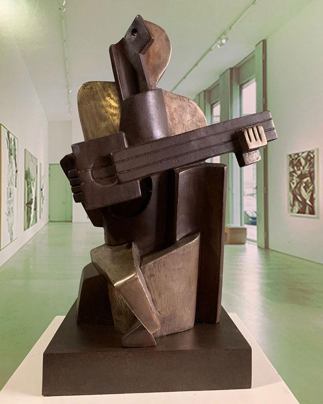 Arlequín cubista en bronce de fundición