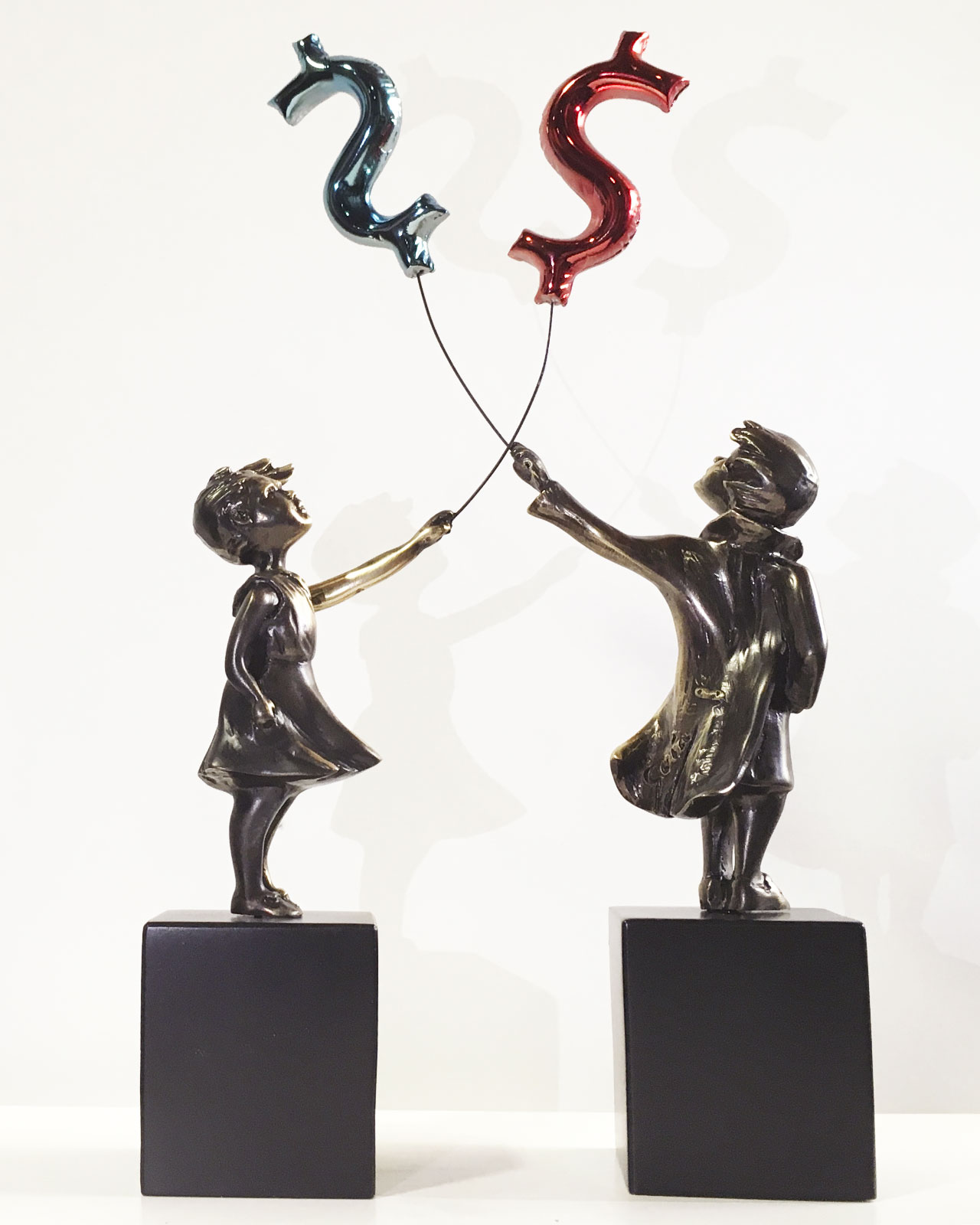 escultura-nina-con-globo-dollar-miguel-guia