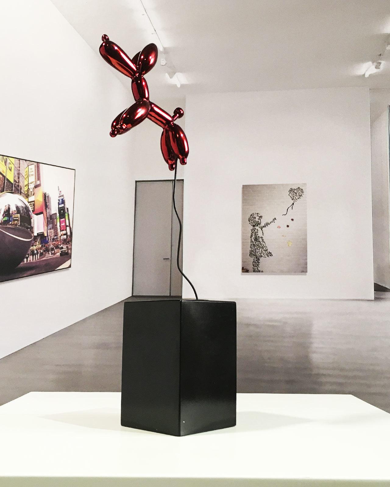 escultura-perro-globo-ingravido