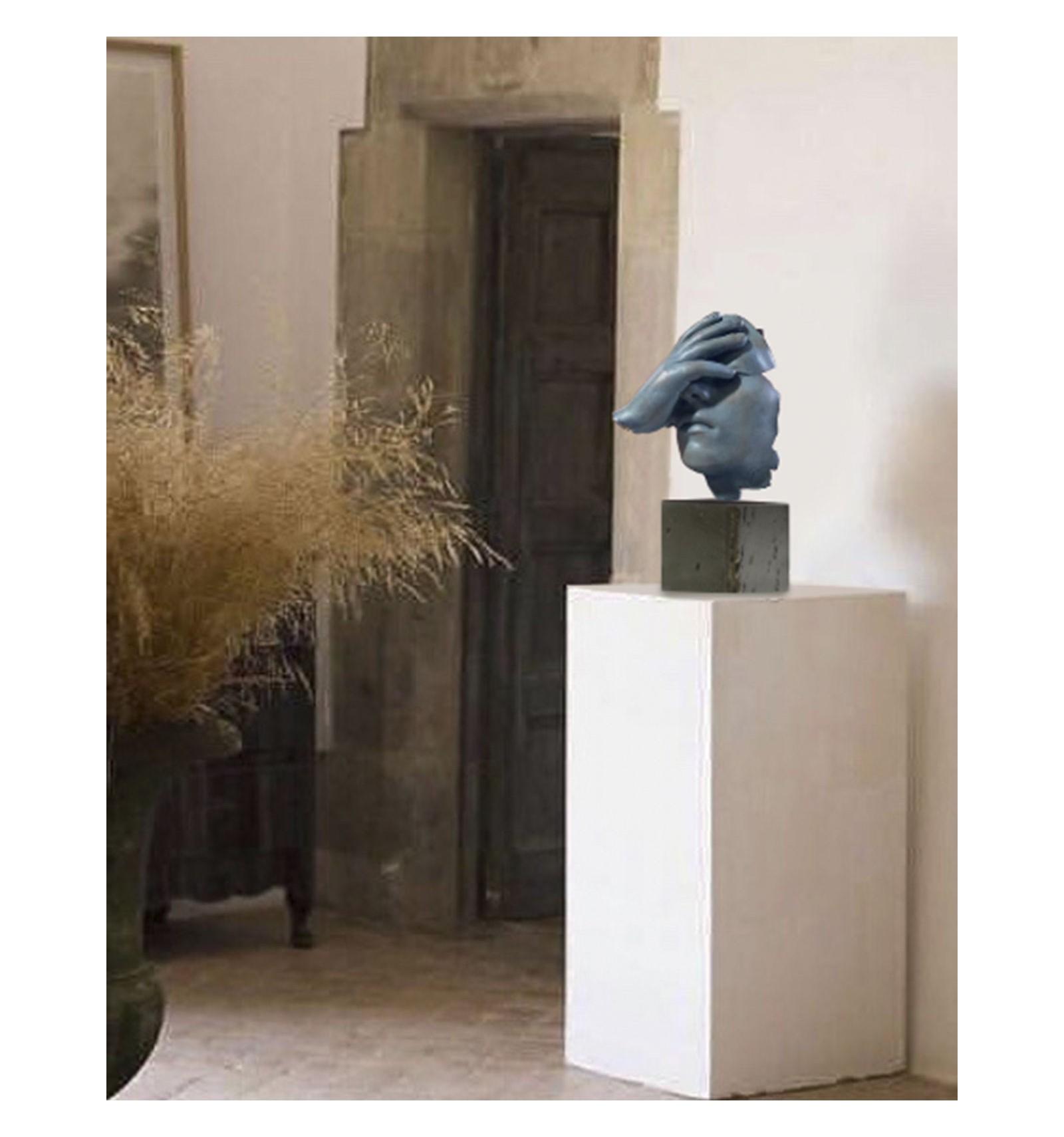 escultura-reflexion-en-bronce-oxido-azul