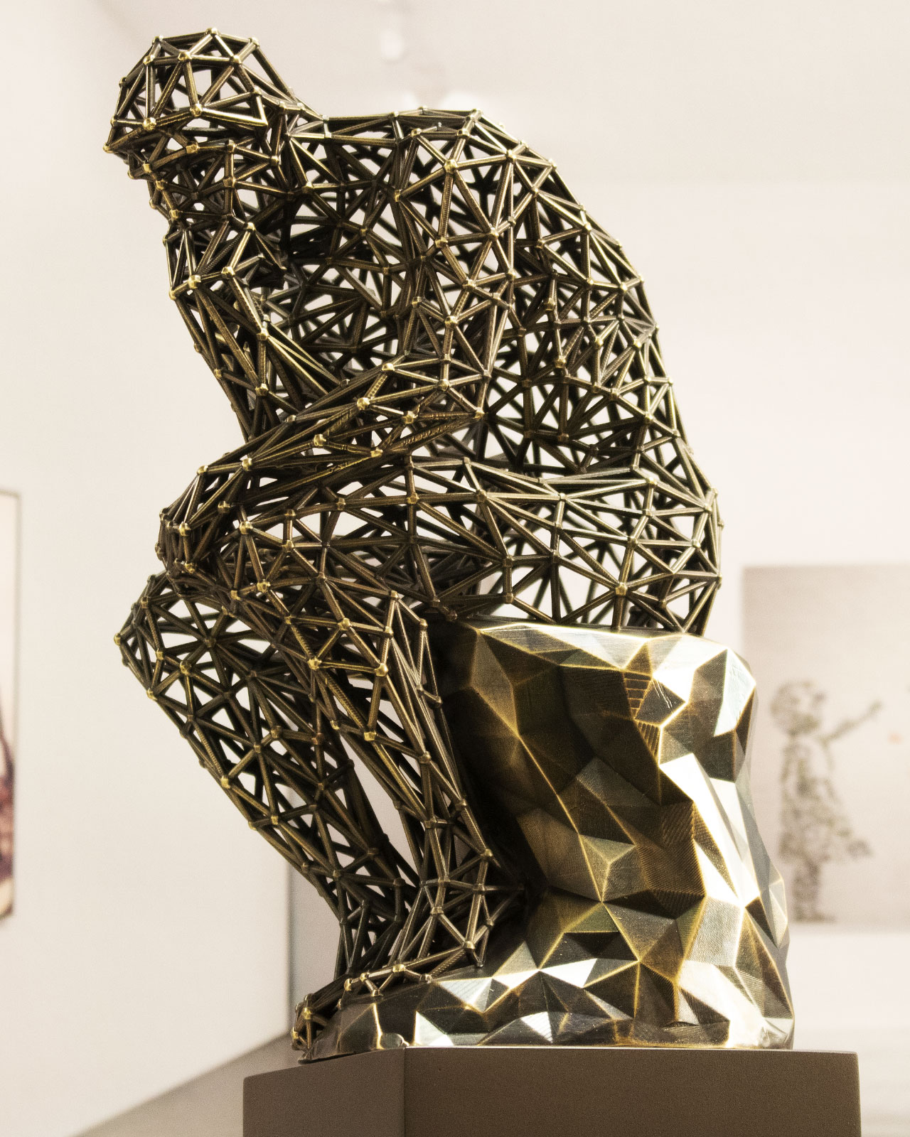 pensador-molecular-bronce-25cm